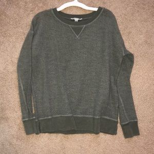 SMALL ARMY GREEN SWEATER FROM AMERICAN EAGLE